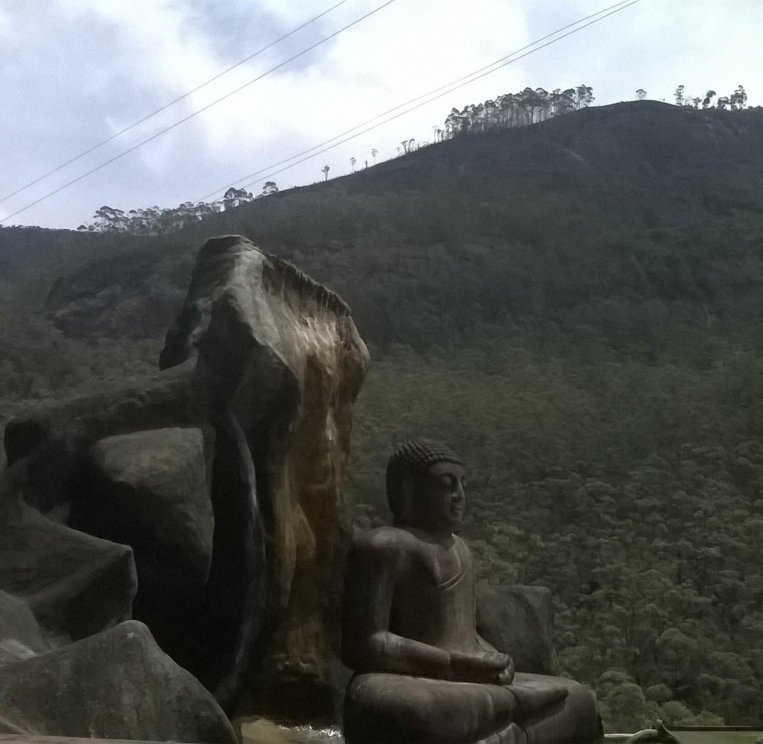 how to get to adams peak sri lanka